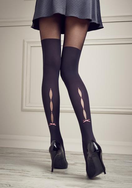 Patrizia Gucci pour Marilyn - Exclusif maquette sur les collants de genou avec top en dentelle